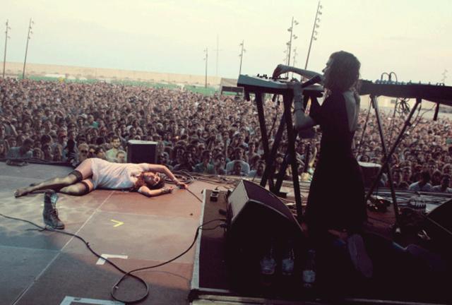 grimes-primavera-sound-2012.gif