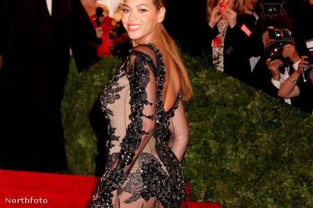 Beyoncé Knowles - A 2012-es MET gála (Ruha: Givenchy)