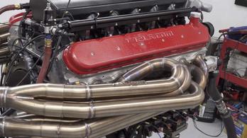 Durván szól az amerikai stílusú V12-es