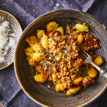 Mennyei, szaftos calabrese ragu darált hússal: kolbász és rengeteg zöldség is gazdagítja