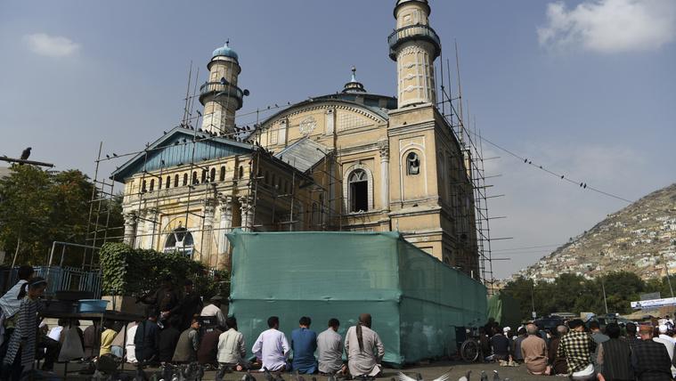 Több százan imádkoztak, amikor pokolgép robbant egy afgán mecsetben