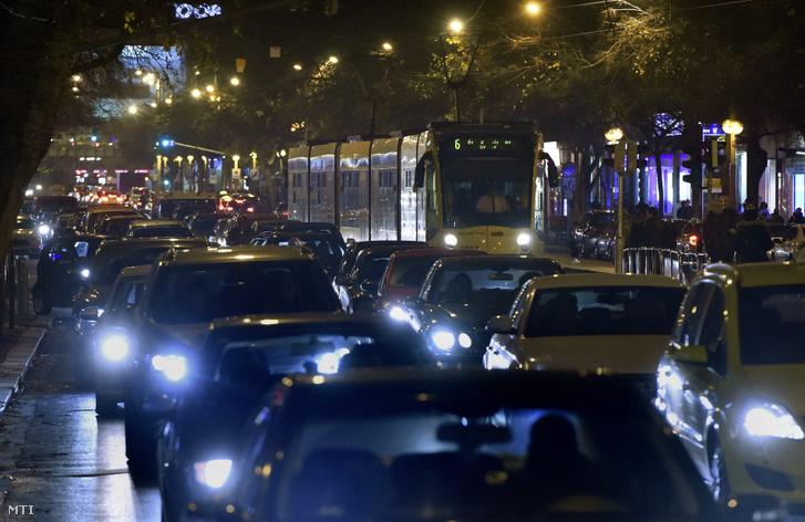 Közlekedés a Nyugati pályaudvar és a Király utca közötti szakaszon