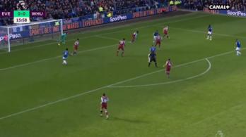 Beleszédült az Everton-játékos cseleibe a West Ham-védelem