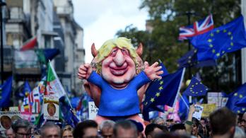 Boris Johnson elküldte a halasztási kérelmet, de nem írta alá, egy második levelet is írt
