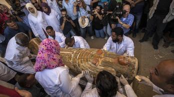 3000 éves szarkofágokat nyitottak fel Egyiptomban