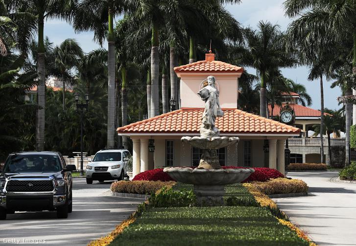 A Trump Doral Resort bejárata
