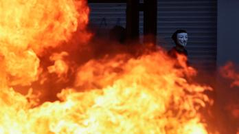 Metrójegy-zavargások: hárman meghaltak, éjszakai kijárási tilalmat rendeltek el Chilében