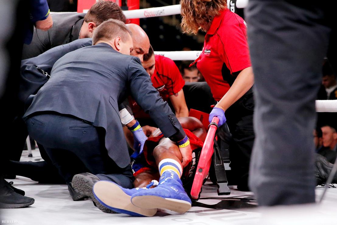 Patrick Day a ring padlóján, a végzetes KO után