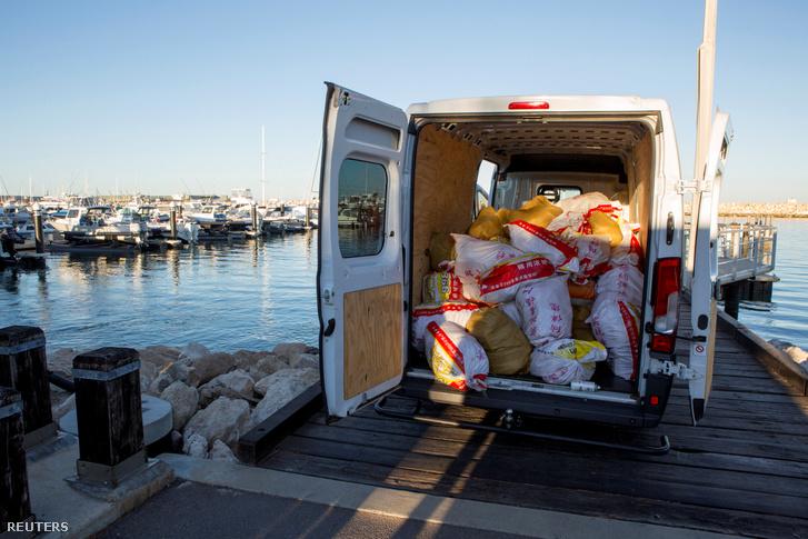 Az ausztráliai Geraldton kikötőjében 1,2 tonna Ázsiából érkezett metamfetamint foglaltak le egy 2017. december 21-i rajtaütés során
