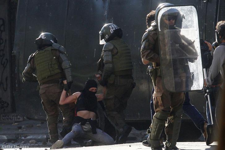 Zavargások Chilében 2019. október 20-án.
