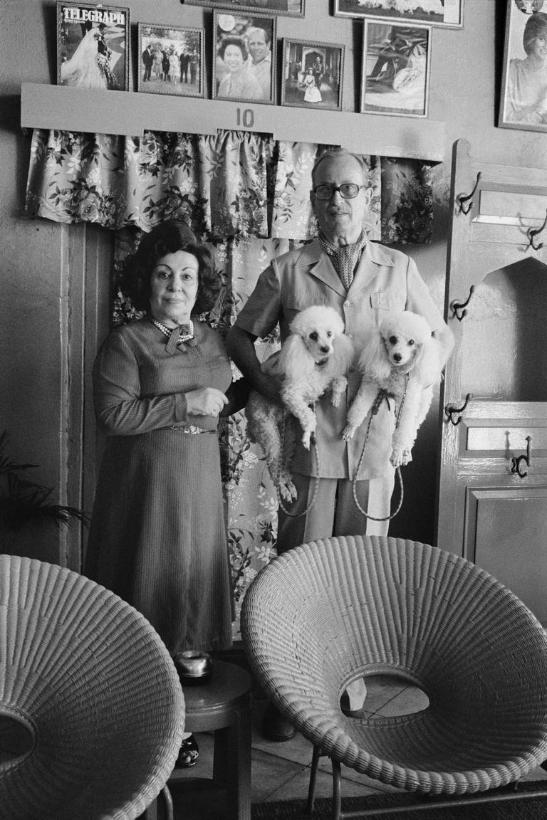 Mr. és Mrs. Smith az indiai Kalkuttában, a Fairlawn Hotel tulajdonosai. 1984.