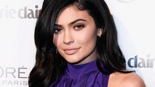Kylie Jenner befuccsolt énekesi karriere után visszatért régi jó szokásához, és villantott