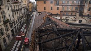 Leégett a torinói királyi lovarda tetőszerkezete