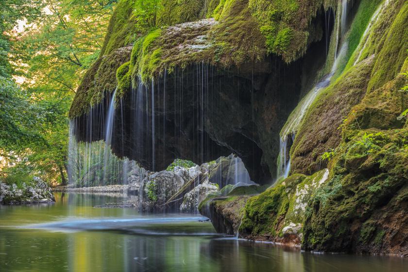 Bánát mesebeli vízesésének csodájára jár a világ: a Bigéri-vízesés olyan, mint egy álom helyszíne