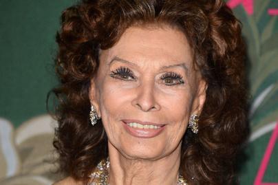 Friss fotókon Sophia Loren - A 85 éves olasz díva elképesztően néz ki