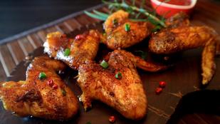 Egzotikus, mégis nagyon ismerős: marinált csirkeszárnyak friss gyömbérrel