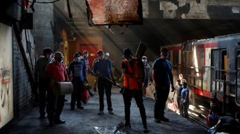 12 forinttal kezdődött: halálos gyújtogatások és szükségállapot Chilében