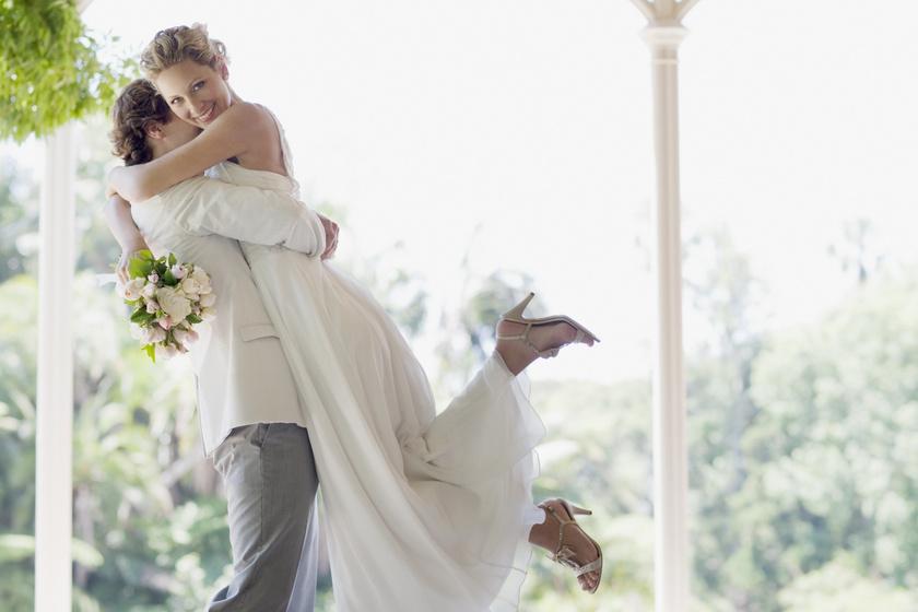 programajánló esküvői ruha
