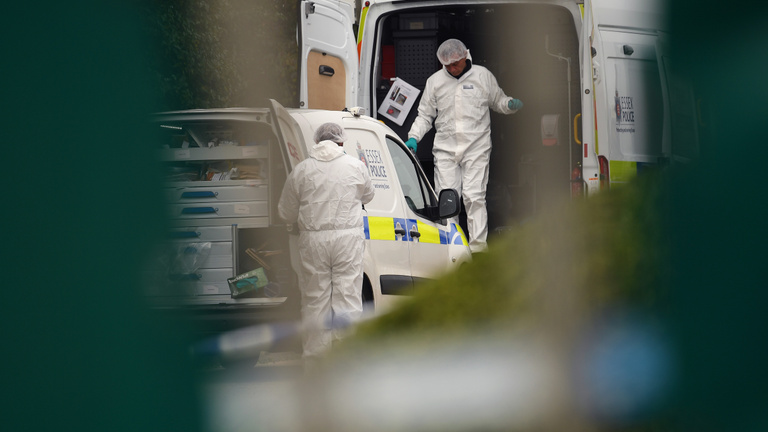 39 holttestet találtak egy kamionban Essexben