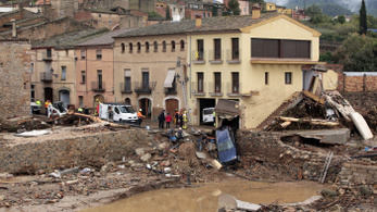 Brutális esőzés ölt meg többeket Katalóniában