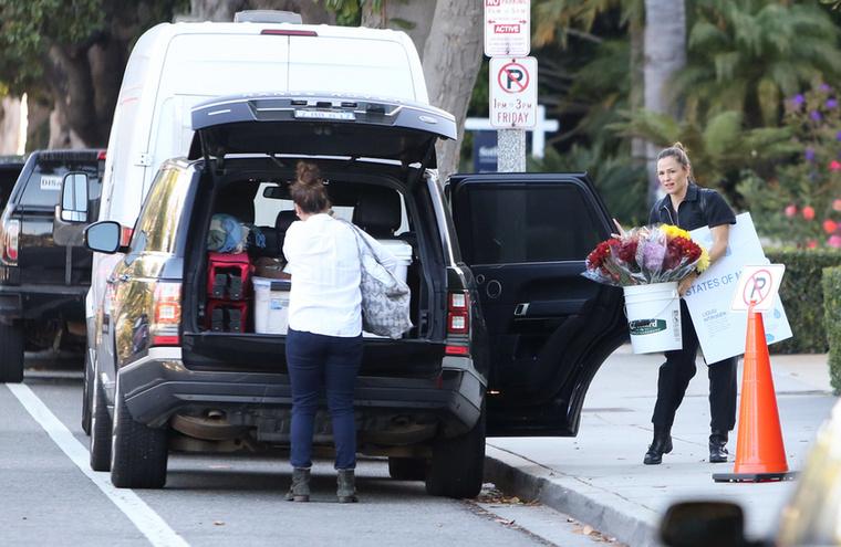 Jennifer Garner, azaz az év legszebb emberea jelek szerint Kylie Jennerhez hasonlóan nem sokat törődik azzal, hogy hová szabad parkolni, illetve hová nem.