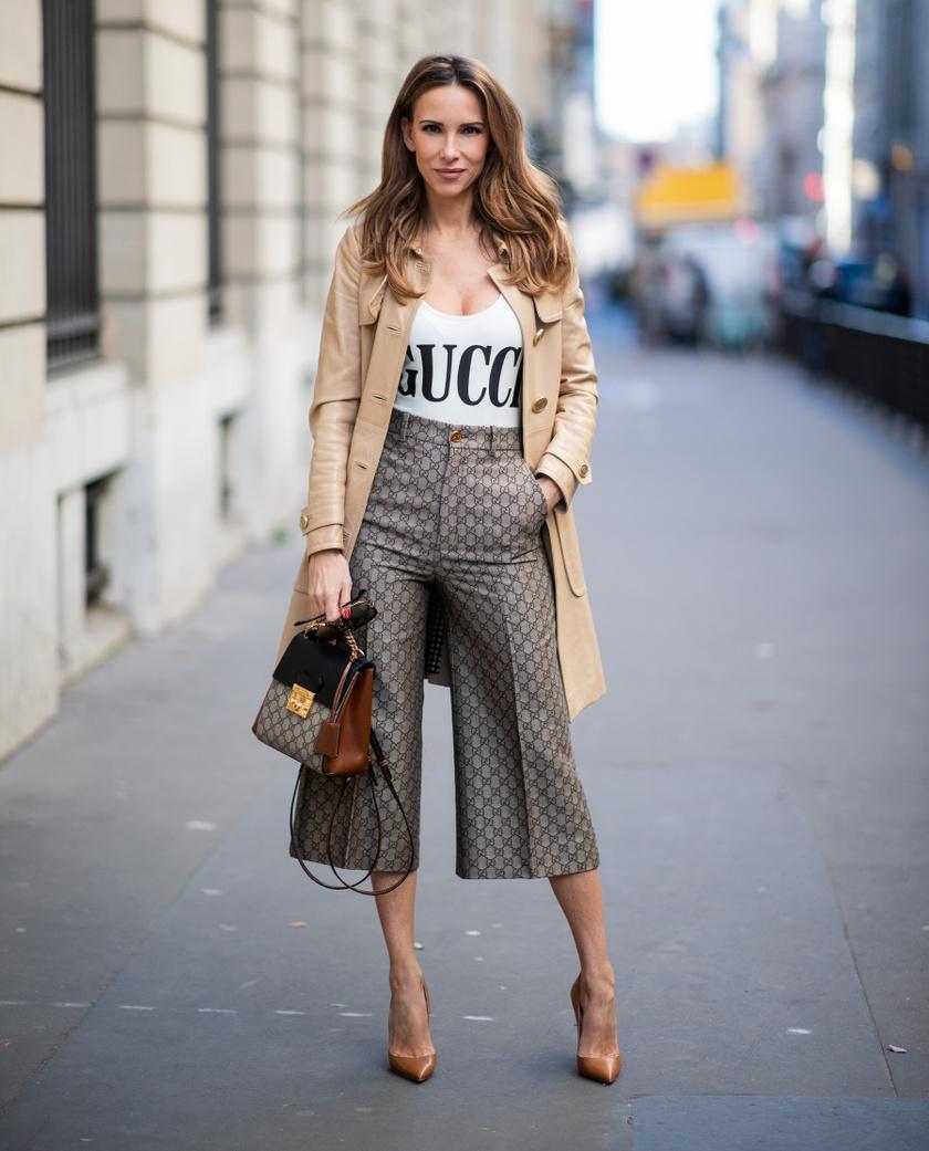 A magas derekú, kiszélesedő szárú culotte-nadrág sikkes, nőies és elegáns egyszerre. Erősen karcsúsítja a derekat, és elfedi a combokat. Bokacsizmával, sportcipővel egyaránt jól mutat.