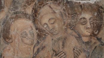 Művészettörténeti szenzáció a viski templomban feltárt falfestmény