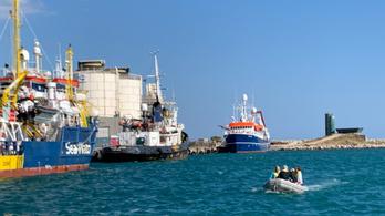 Az EP leszavazta, hogy a tagállamok gyúrjanak rá a menekültek földközi-tengeri mentésére