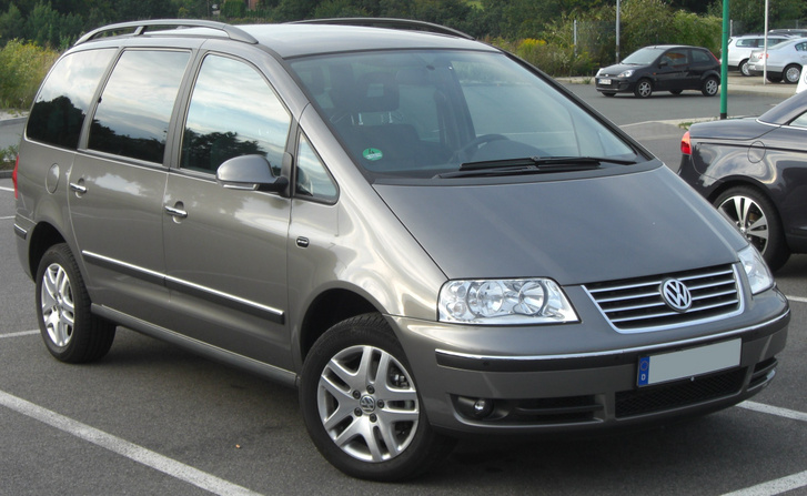 VW Sharan Pacific (2004) front