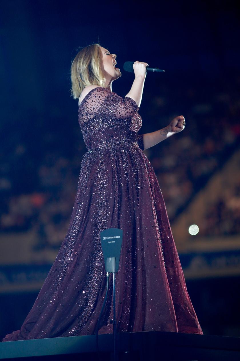 Adele 2017-ben még sokkal erősebb alkatú volt.
