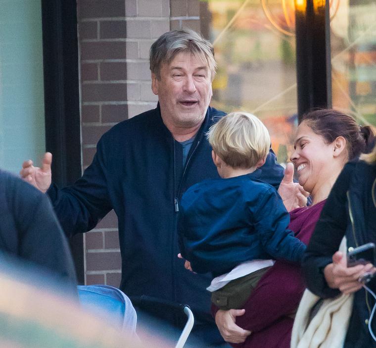 Természetesen a színész nem feledkezett meg a 4 éves Rafaelről sem és őt is nagy erőkkel szórakoztatta.