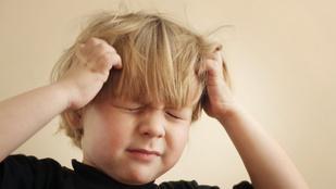 Így segíts, ha fáj a gyerek feje