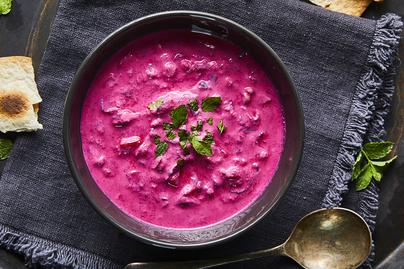 Joghurtos céklás raita: a saláta és a mártogatós közti átmenet