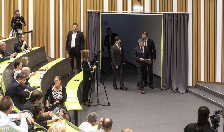 Speaker of the Hungarian Parliament László Kövér arriving at the lecture hall. Next to him is moderator György Arató.