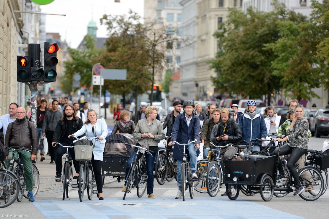 Átlagos utcakép Koppenhága belvárosából