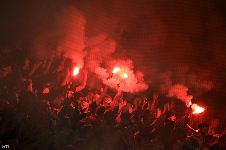 Ferencvárosi szurkolók a labdarúgó OTP Bank Liga 9. fordulójában az Újpest FC ellen játszott mérkőzésen a Groupama Arénában 2019. október 19-én