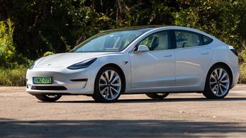 Nyereséget termelt a Tesla a harmadik negyedévben, kitört az árfolyam