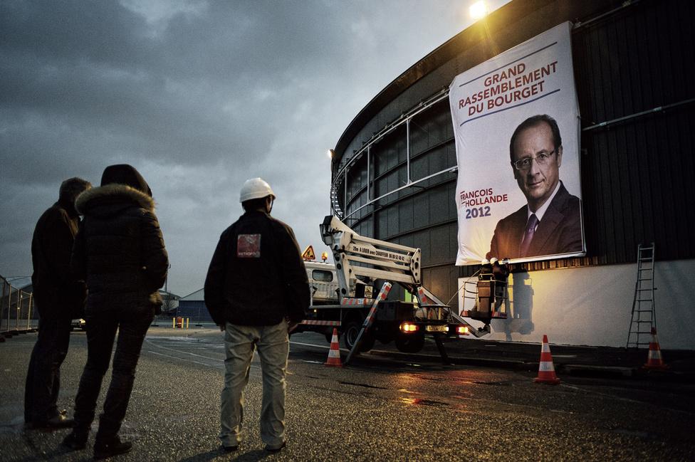 Francois Hollande első nagygyűlésének szervezése Bourget-ban. 2012. január 21. szombat.