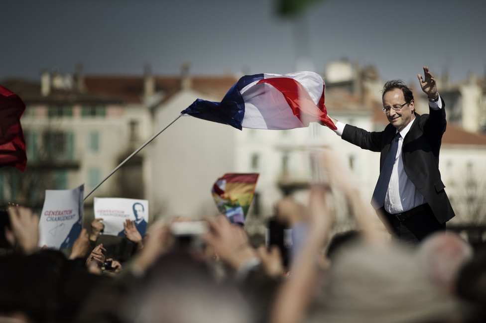 Első kültéri gyűlés Valence-ban. Ez a kép lesz a kampányfotó a két forduló között. 2012. március 13.