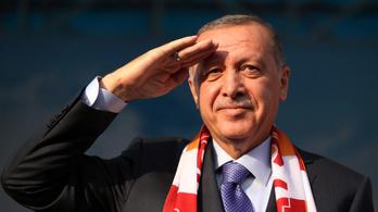 Erdoğan feljelentett egy francia lapot, mert a címlapon kritizálták