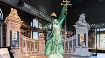Átadták a Nagyjátszóteret és a Millennium Házát is a Ligetben