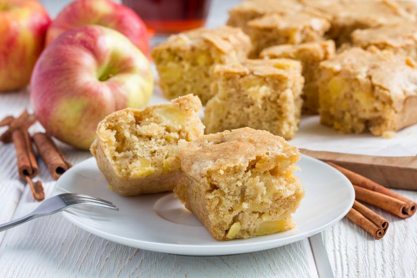 Álomfinom fehér csokis, almás süti: egyszerű, és minden képzeletedet felülmúlja