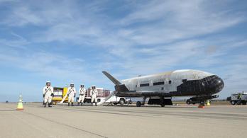 Visszatért a Földre az Egyesült Államok titkos, pilóta nélküli űrrepülője
