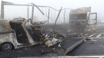 Műszaki hiba okozhatta a hét ember halálát okozó balesetet az M5-ösön