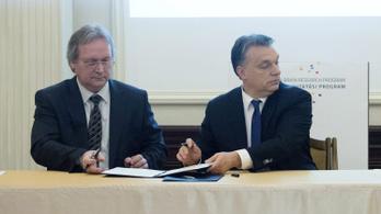 A fiatalságot mételyező tudósokról írt Orbánnak a lehetséges következő MTA-elnök