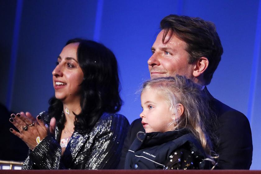 Bradley Cooper kislánya, Lea egyre szebb és aranyosabb.
