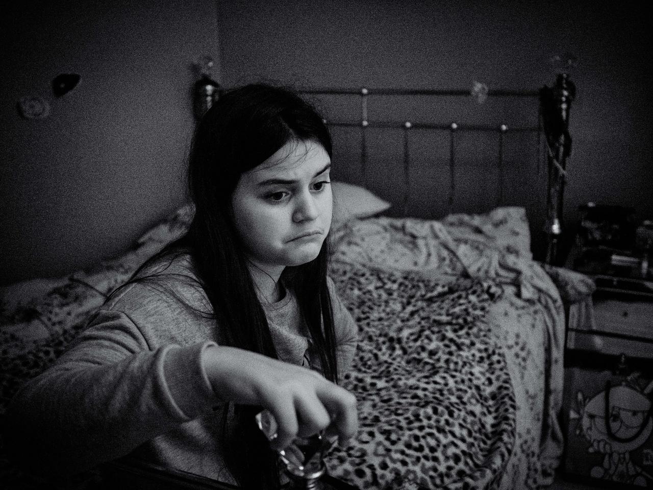 A 11 éves Lisa autizmussal él és a testvére is. Lisa soha nem szokott mosolyogni.