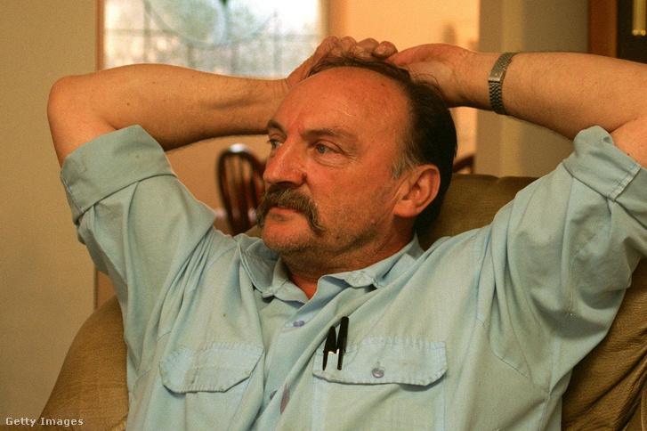 William Milat, Ivan testvére otthonában, Bargóban 1996. június 29-én, akit a 7 hátizsákos gyilkosság miatt hallgattak ki.
