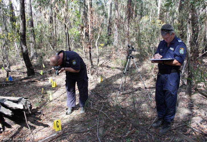 Emberi maradványokat találatok a Belanglo erdőben 2010. augusztus 30-án.