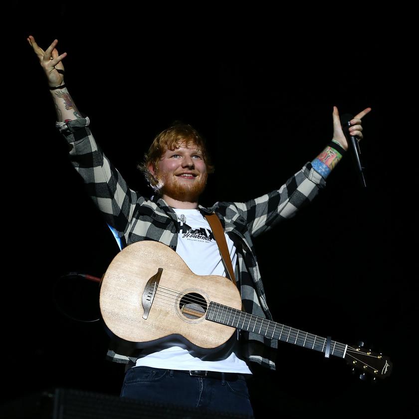Ed Sheeran 170 millió fontjával, átszámítva 64,6 milliárd forintos vagyonával lett az első helyezett.